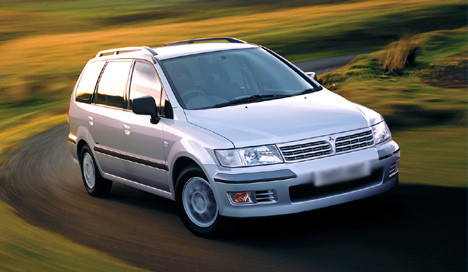 Фото Mitsubishi Space Wagon III